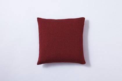 cushion_butterfly-arabesque_darkmagenta2